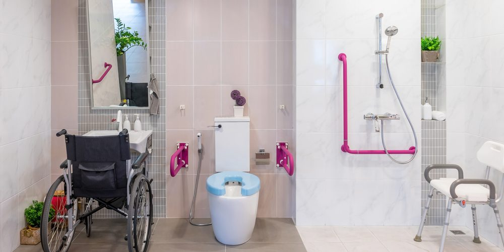 salle-de-bain-pour-PMR